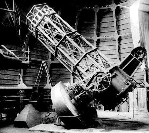 1908 m. Maunt Vilsono, JAV, observatorijoje pradėjo veikti 152 cm. skersmens veidrodinis teleskopas/ Astronomy.com