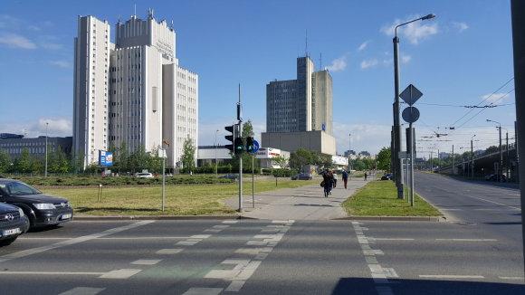 Žilvino Pekarsko / 15min nuotr./Dviračiu – iš Pilaitės į Žvėryną: dviračiams skirtas šviesoforas veikia tik viena kryptimi