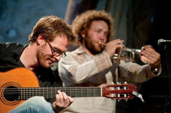 """""""Café musicale"""" nuotr./Chrisas Ruebensas ir Saulius Petreikis"""