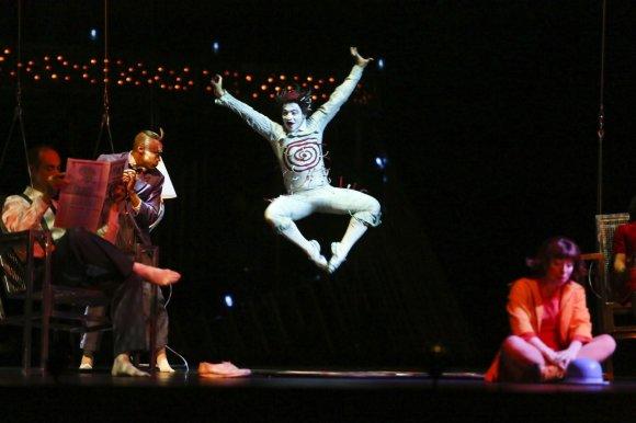 "Irmanto Gelūno/15min.lt nuotr./""Cirque du Soleil"" pasirodymo ""Quidam"" akimirka"