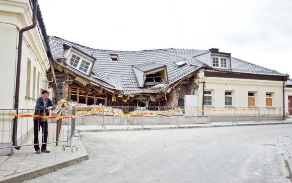 Irmanto Gelūno / 15min nuotr./Per sprogimą nukentėjęs Vilniaus viešosios pirties pastatas aptvarkytas.