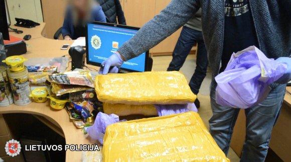 Šiaulių apskrities VPK nuotr./Sulaikyta narkotikų kontrabanda