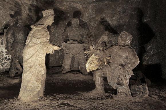 Druskos skulptūros 135 metrai po žeme Veličkos druskos kasykloje