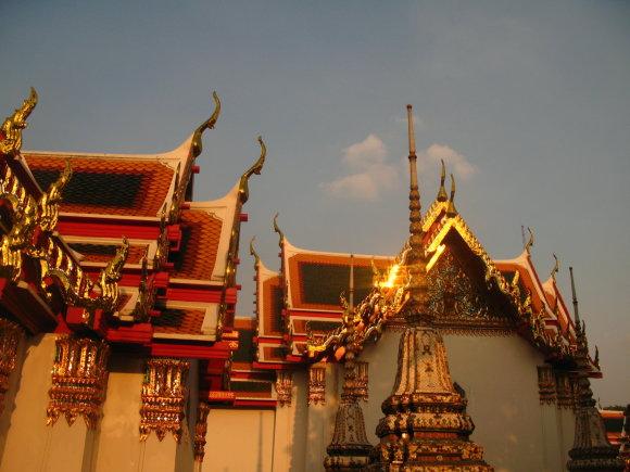 Godos Juocevičiūtės nuotr./Wat Pho šventyklos stogai tiesiog tviska