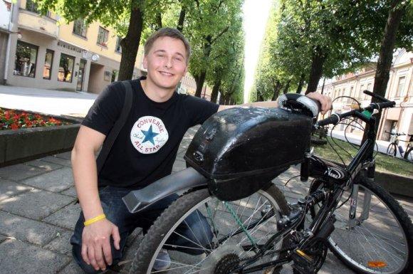 Eriko Ovčarenko / 15min nuotr./G.Nemanio išrasta elektrinė slinktinė pavara kiekvieną dviratį gali paversti elektriniu.