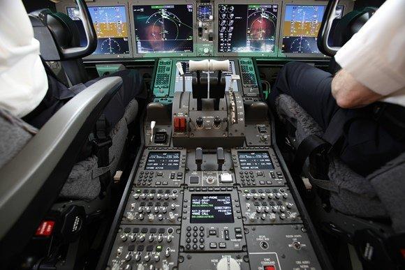 """Reuters""/""Scanpix"" nuotr./""Boeing 787 Dreamliner"" pilotų kabina"