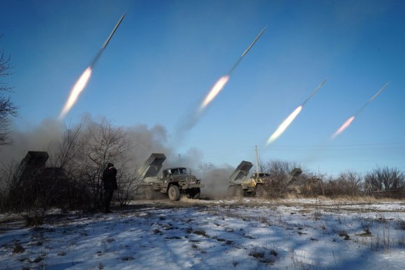 "AFP/""Scanpix"" nuotr./Rusjios teroristų ""Grad"" šūviai Donecko regione"