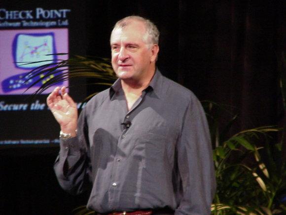 Wikipedia nuotr./Rašytojas Douglasas Adamsas 2000 metais