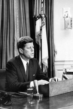 JAV vyriausybės nuotr./JAV prezidentas Johnas F.Kennedy 1963 m. birželį