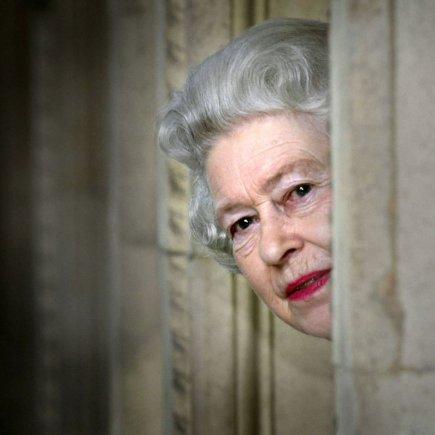 """""""Scanpix""""/""""PA Wire""""/""""Press Association Images"""" nuotr./Karalienė Elizabeth II (2004 m.)"""