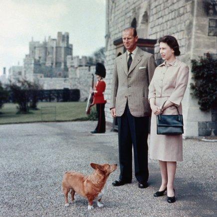 """Scanpix""/""PA Wire""/""Press Association Images"" nuotr./Karalienė Elizabeth II ir princas Philipas (1959 m.)"