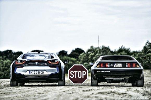 """Autobild"" nuotr./BMW i8 ir ""DeLorean DMC12"""