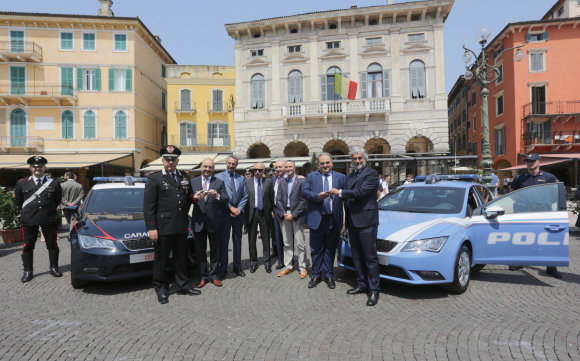 "Italijos karabinierių ""SEAT Leon"""