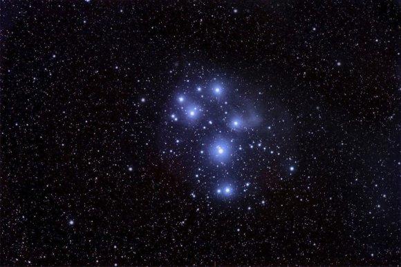 Nuotr. iš Astrophoto.com/Nr.5. Rudens naktų puošmena – padrikasis žvaigždžių spiečius – Sietynas