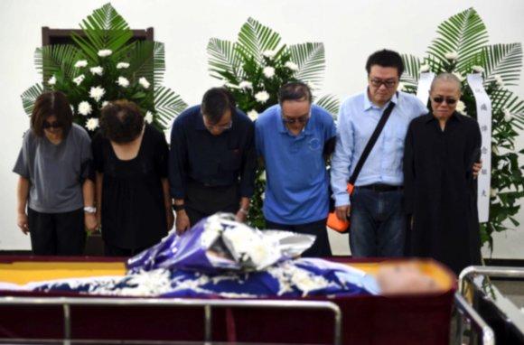 """""""Scanpix""""/AP nuotr./Kinų disidento Liu Xiaobo pelenai palaidoti jūroje"""