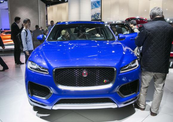 """Luko Balandžio/15min.lt nuotr./""""Jaguar"""" Frankfurto automobilių parodoje"""