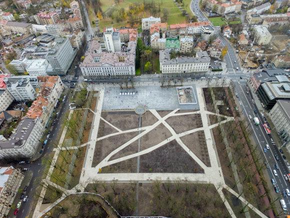 Luko Balandžio / 15min nuotr./Atidaryta rekonstruota Lukiškių aikštė
