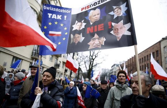 """""""Reuters""""/""""Scanpix"""" nuotr./Protestai Lenkijoje"""