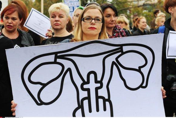 """""""Scanpix""""/""""SIPA"""" nuotr./Protestas prieš abortų draudimą Lenkijoje"""