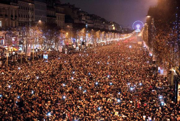 """""""Reuters""""/""""Scanpix"""" nuotr./Naujieji metai Paryžiuje, Prancūzijoje"""