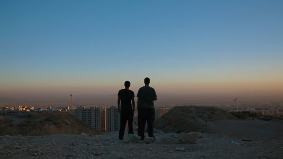 "Kadras iš filmo ""Irano reivas"""