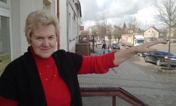 L. Sėlenienės nuotr./Švėkšnos paštininkė Zosė Sapkausnienė
