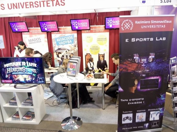 """E-sports Lab"" stendas parodoje ""Studijos 2016"" / ""E-sports Lab"" nuotr."