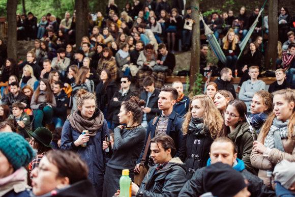 """Gatvės muzikos diena 2015 / """"Downtown forest hostel & camping"""" terasa / R.Šeškaičio nuotr."""