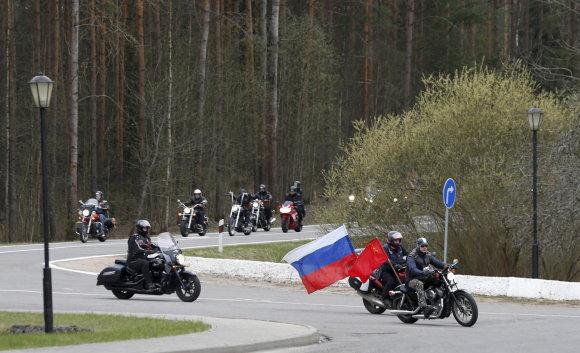 Scanpix nuotr./Rusų baikeriai nacionalistai nebuvo įleisti į Lenkiją