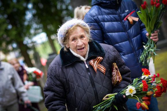 Viktorijos Savickos / 15min nuotr./Gegužės 9-osios minėjimas Antakalnio kapinėse