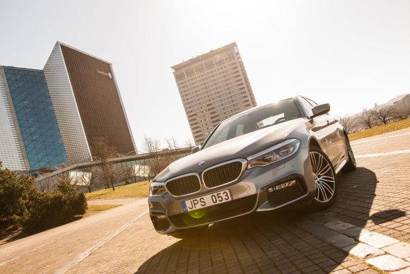 15min / Dainiaus Cuberos nuotr./Naujasis 5 serijos BMW