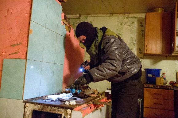 Vidmanto Balkūno / 15min nuotr./Kriminalinė policija čigonų tabore