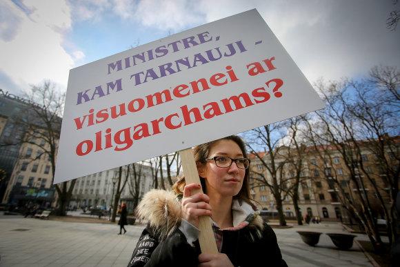 Vidmanto Balkūno / 15min nuotr./Protestas prieš miškų reformą prie Vyriausybės