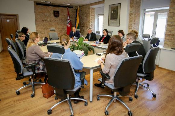 Vidmanto Balkūno / 15min nuotr./Vyriausiosios tarnybinės etikos komisijos posėdis. Asociatyvi nuotrauka