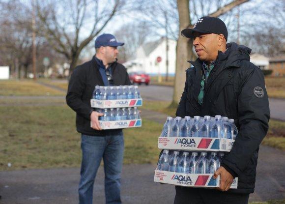 """""""Scanpix""""/AP nuotr./Flinto mieste gyventojai kelis mėnesius gyveno su švinu užterštu vandentiekio vandeniu"""