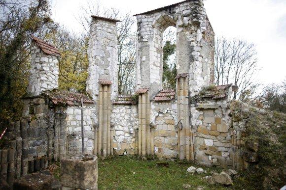 """""""Reuters""""/""""Scanpix"""" nuotr./Pirmojo pasaulinio karo metu sugriautas ir apleistas kaimas"""