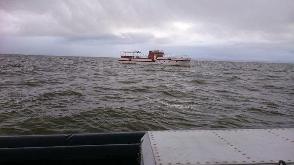 VSAT nuotr./Tuščias dreifuojantis laivas, kuris Kuršių mariose kirto sieną iš Rusijos