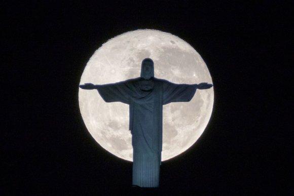 "AFP/""Scanpix"" nuotr./Pilnatis Brazilijoje"