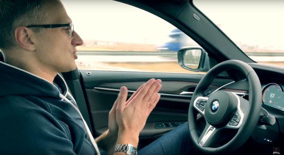 Kadras iš video/BMW išsinuomojęs vyras