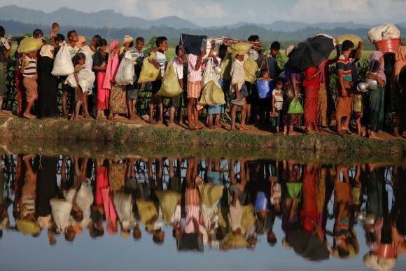 """""""Reuters""""/""""Scanpix"""" nuotr./Persekiojami rohinjai iš savo šalies bėga į Bangladešą"""
