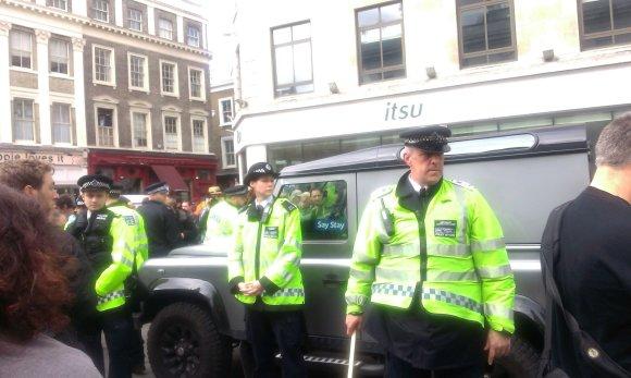 15min/Protestas prieš Davidą Cameroną