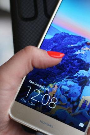 """Projekto partnerio nuotr./""""Huawei Supercharge"""" technologija leis greitai įkrauti telefoną"""