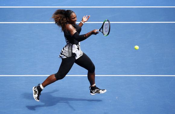 """""""Scanpix"""" nuotr./Serena Williams nugalėjo Barborą Strycovą ir žengė į """"Australian Open"""" ketvirtfinalį"""