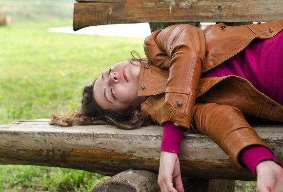 123rf.com nuotr./Išgėrusi mergina