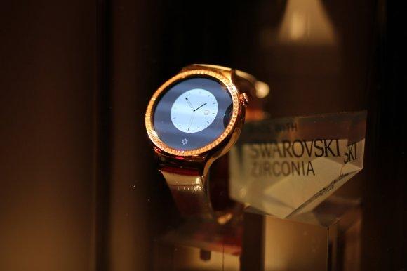 "Scanpix nuotr./Huawei išmanusis laikrodis moterims ""Huawei Watch Jevel"""