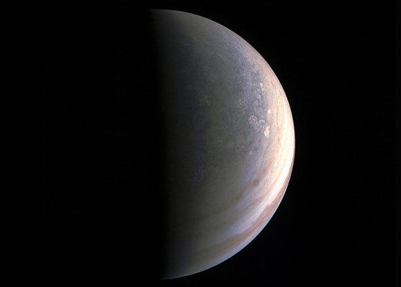 NASA/Juno nuotr./Jupiterio šiaurinis polius