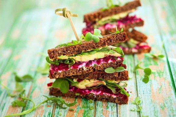 Shutterstock nuotr./Dietiniai vegetariški sumuštiniai