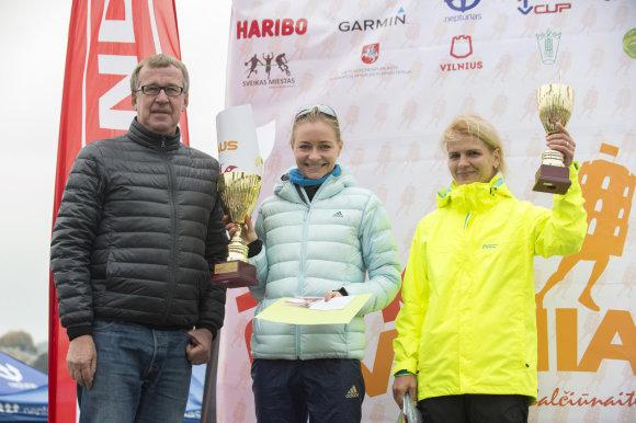 20 km pirmos ir antros vietos nugalėtojos. Organizatorių nuotr.