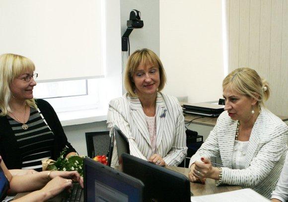 Magistrantūros studijų studentė Danutė Akaveckienė (centre). Z.Ripinskio nuotr.