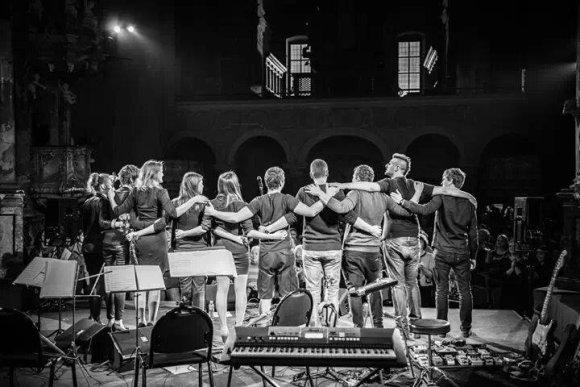 """Grupė """"Karma"""" / Koncerto Šv.Kotrynos bažnyčioje akimirkos / Ryčio Šeškaičio nuotr."""